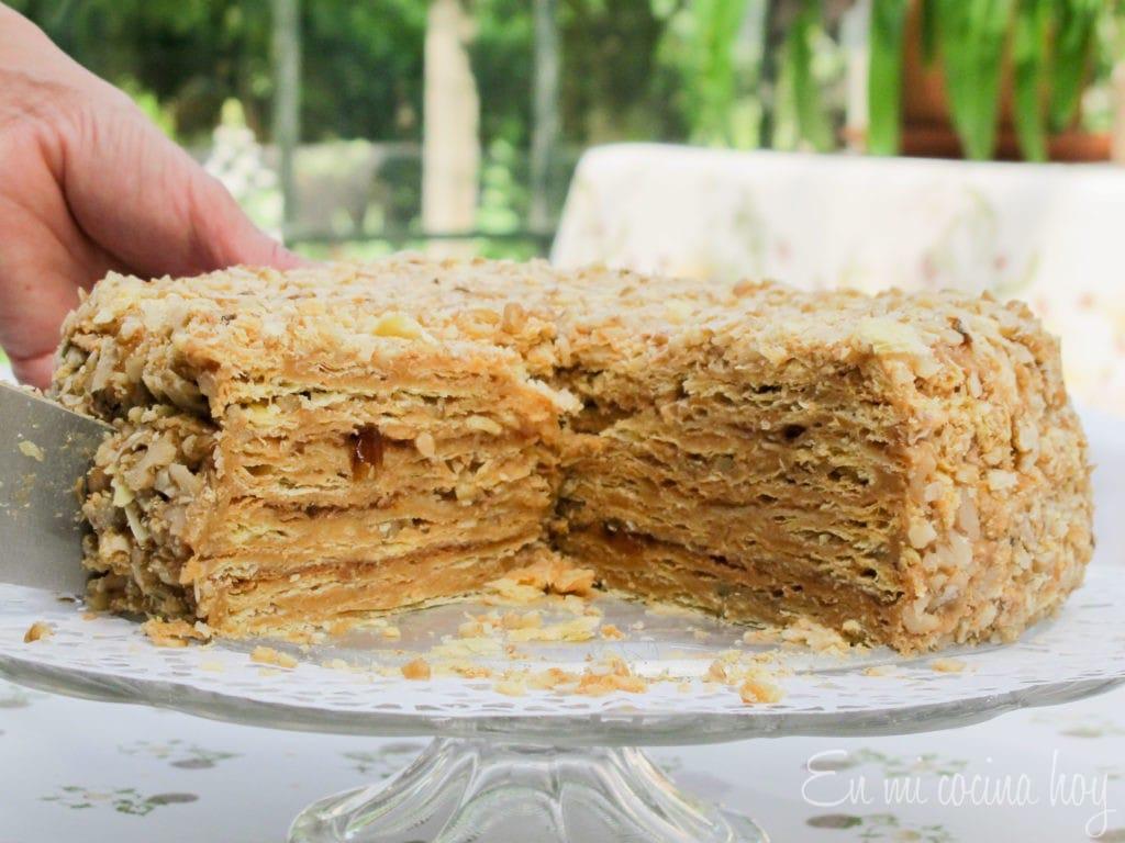 Torta mil hojas con manjar