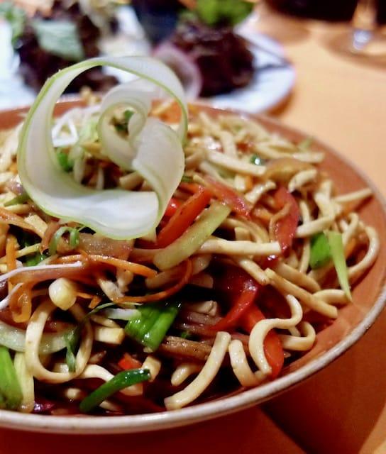 Noodles, Ji Ji, Carnival Horizon