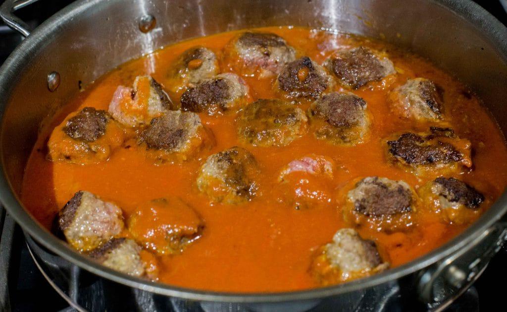 Easy Meatballs with Tomato Sauce